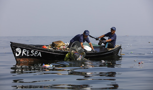 <p><span>In choosing one of the reusable To Go products from Eva Solo, you are automatically supporting ReSea Project and its efforts to clean the oceans of plastic.</span></p>