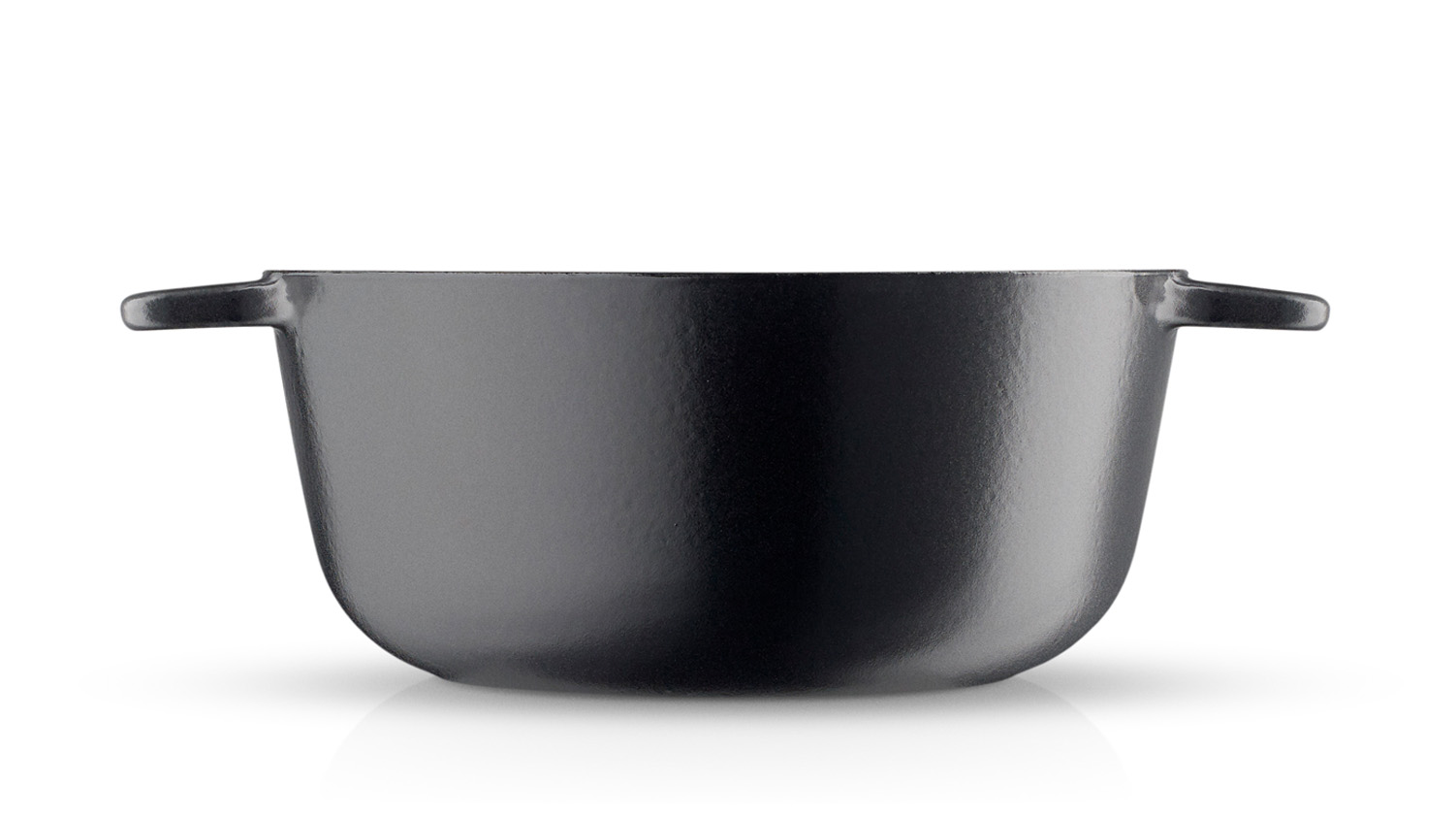 <p>The Cast iron range of pots and frying pans is perfect for slow cooking over a low or medium heat thanks to the excellent heat-conducting and heat-retention properties of the material, which ensures an even heat distribution. Cast iron also withstands very high temperatures.</p> <p><strong>The Cast iron series is good for: Casseroles, simmer dishes, roasts (slow roasting) and baking bread.</strong></p>